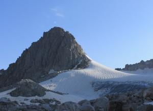 10.Б.Игизак с плато ледника.