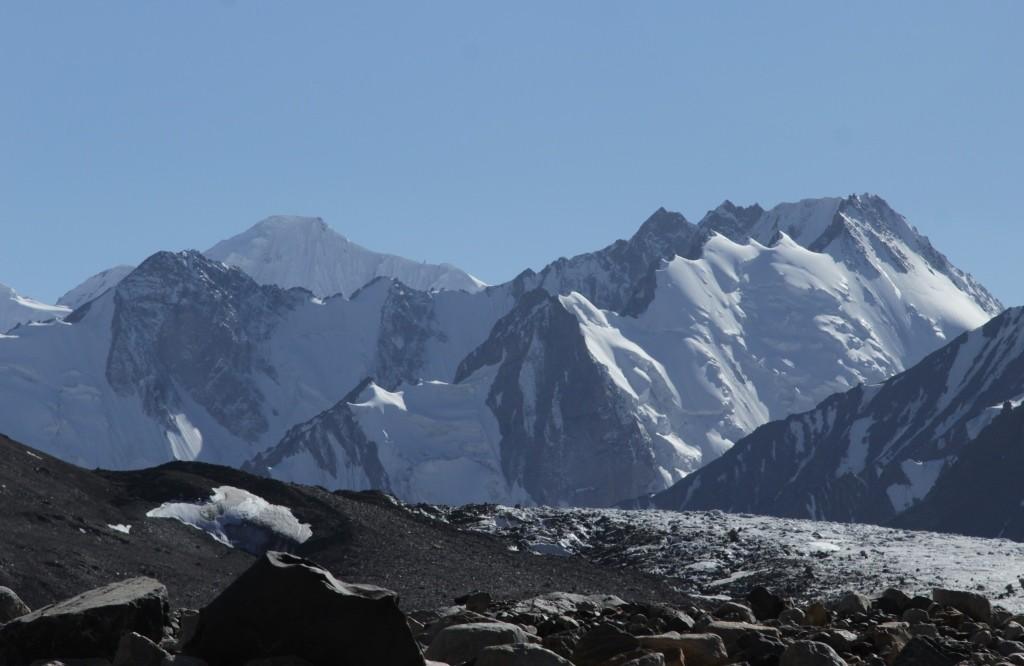 2-57-in-the-glacier-tanymas-paw